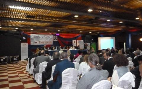 Δυναμικοί Έλληνες επιχειρηματίες, 35τον αριθμό, ταξιδεύουν στην Κένυα για να μετέχουν στις εργασίες της 2ης Ελληνικής Πολυκλαδικής Επενδυτικής & Επιχειρηματικής Αποστολής και να συνάψουν συνεργασίες με αντίστοιχους Κενυάτες επιχειρηματίες.